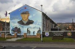 Murales de la pared del arte de la calle de Belfast Irlanda del Norte en el área del martillo de los caminos de Shankhill y de Cr Fotografía de archivo libre de regalías