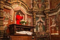 Murales e iconos de la misión San Xavier del Bac Icon Fotografía de archivo
