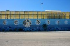 Murales op een muur met verf van maan` s fasen royalty-vrije stock foto's