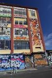 murales 5Pointz en la ciudad de Long Island en Nueva York imagenes de archivo