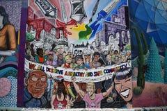 Murali molto creativi molto bei del vicolo del richiamo, 13 fotografie stock libere da diritti