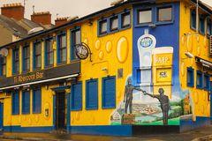 Murals. Derry Londonderry. Northern Ireland. United Kingdom. Pub. Mural in  the Bogside. Derry Londonderry. Northern Ireland. United Kingdom Stock Photo