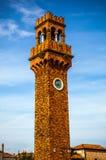 MURANO, ITALIA - 19 DE AGOSTO DE 2016: Monumentos arquitectónicos famosos y fachadas coloridas del primer medieval viejo de los e Imagen de archivo libre de regalías