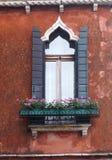 Murano, Italien, ein aufwändiges mittelalterliches Fenster in Murano stockfoto