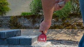 Murarzów narzędzi mężczyzna pracuje na budowie Fotografia Royalty Free