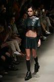 Murat Aytulum Catwalk στην εβδομάδα Ιστανμπούλ μόδας της Mercedes-Benz στοκ εικόνα