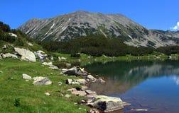 Muratovo湖, Pirin山,保加利亚 免版税库存照片