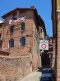 Muratura originale della costruzione, vecchia Siena, Italia immagini stock