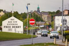 muraux Derry Londonderry Irlande du Nord Le Royaume-Uni Photo stock