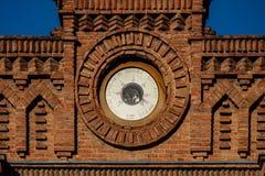Mure o barômetro sobre uma construção de tijolo velha chamada círculo dos contribuinte Imagem de Stock Royalty Free
