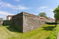 Muren en middeleeuws Uzhhorod-Kasteel Stock Afbeeldingen