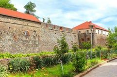 Muren en middeleeuws Uzhhorod-Kasteel in de Oekraïne Royalty-vrije Stock Foto's