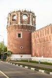 Muren en torens van Russische sumer van Moskou van het vestingsklooster Royalty-vrije Stock Foto's