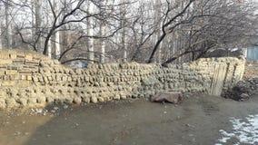 Muren van klei en stenen in de bergachtige dorpen worden gemaakt dat Royalty-vrije Stock Afbeelding