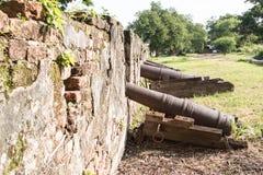 Muren van oud kanon Stock Foto