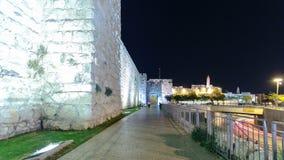 Muren van Oude Stad bij Nacht timelapse hyperlapse, Jeruzalem, Israël stock video