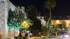 Muren van Oude Stad bij Nacht timelapse, Jeruzalem, Israël stock videobeelden