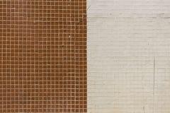 Muri con la bella combinazione delle mattonelle Immagine Stock
