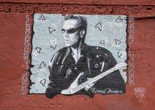 Muri l'arte che caratterizza Ronnie Dawson in Ellum profondo, Dallas, il Texas immagini stock