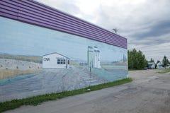Murial op een gebouw, Alberta wordt geschilderd die stock afbeelding