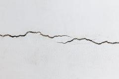 Muro de cimento rachado fotografia de stock