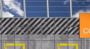 Muro di cemento con i segni d'avvertimento Fotografia Stock