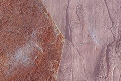 Muro di cemento con il fondo di struttura scheggiato vecchio gesso Immagine Stock