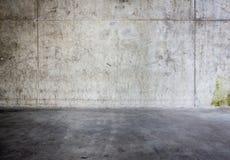 Muro di cemento e pavimento Grungy Immagini Stock Libere da Diritti