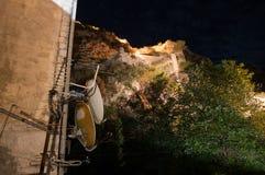 Muro di cinta di Cattaro Città Vecchia con i riflettori parabolici alla notte, Montenegro Immagini Stock Libere da Diritti