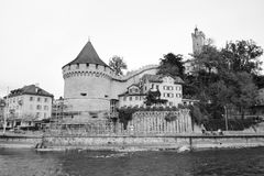 Muro di cinta di Lucerna con la torre medievale Immagine Stock Libera da Diritti