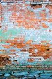 Muro di mattoni afflitto fotografie stock libere da diritti