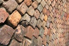 Muro di mattoni curvo Fotografie Stock