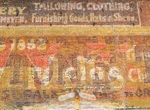 Muro di mattoni di colore rosso di Grunge Fotografia Stock Libera da Diritti