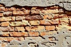 Muro di mattoni esposto all'aria Fotografia Stock Libera da Diritti