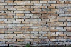 Muro di mattoni invecchiato arancia rossa Fotografia Stock Libera da Diritti