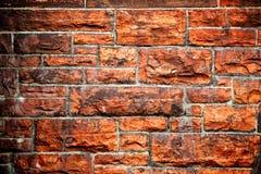 Muro di mattoni rosso macchiato fuliggine Fotografia Stock