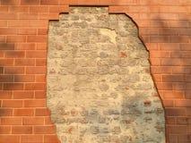 Muro di mattoni rovinato Fotografie Stock Libere da Diritti
