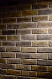 Muro di mattoni sotto il punto immagini stock libere da diritti