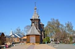 Murom, Russland, Mai, 02, 2013 Hölzerne Kirche von St. Sergius von Radonezh im Kloster der Heiligen Dreifaltigkeit in Murom Lizenzfreies Stockbild