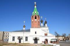 Murom, Russland, Mai, 02, 2013 Leute, die nahe heiliger Besteigung Kirche in Murom, 1729 gehen Lizenzfreies Stockfoto