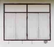 Muros de cemento de Windows Imagen de archivo