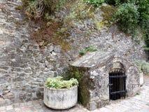 Murs antiques de forteresse dans les Frances Image libre de droits