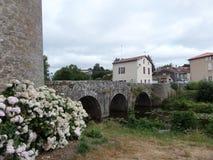 Murs antiques de forteresse dans les Frances Images stock