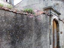Murs antiques de forteresse dans les Frances Photographie stock