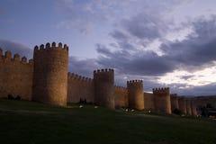 Murs d'Avila au crépuscule Image stock