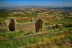 Murs de Castillo De Loarre près d'Espagnol Pyrénées Image libre de droits