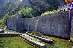 murs de Kotor photo stock