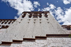 Murs de palais de Potala Photographie stock