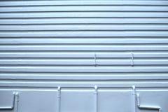 Murs de plâtre de modèle et conduites d'eau blancs photos stock