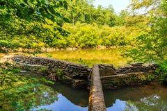 Murs de soutien de vieux moulin Photo stock